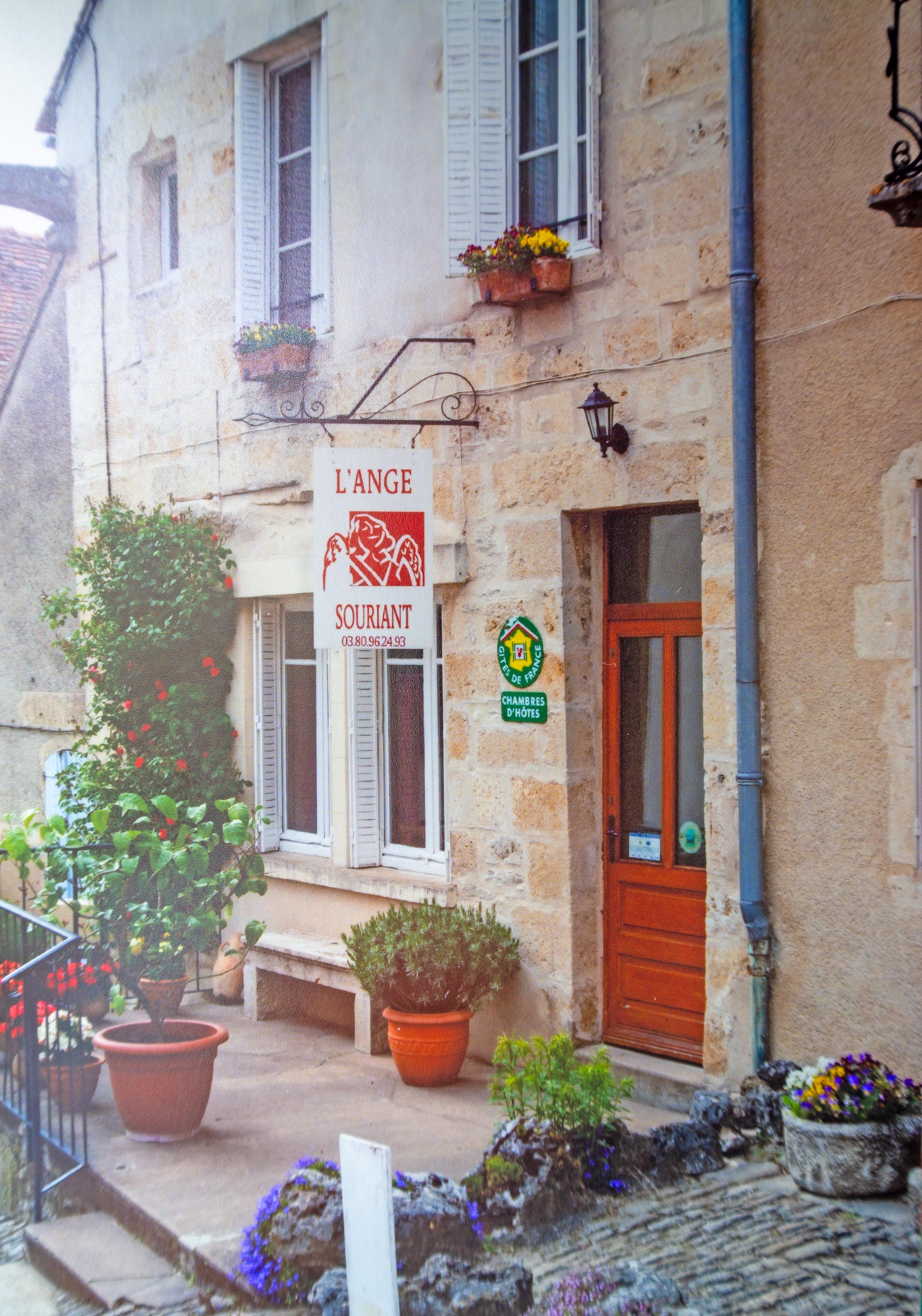 Flavigny-sur-Ozerain - L'Ange Souriant Chambres D'Hotes